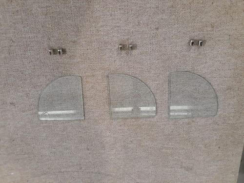 tres estantes esquineros vidrio 5mm  25x25 c/soportes