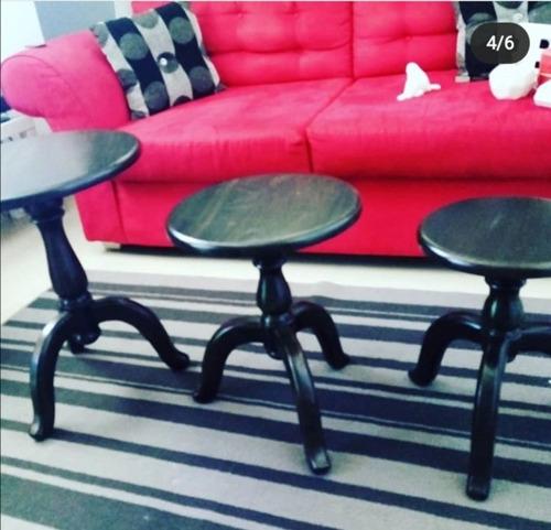 tres mesas de centro, negro ocre.