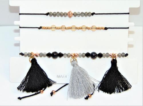 tres pulseras  boho-chic elegante color negro
