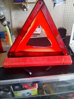 triangulo de seguridad con estuche