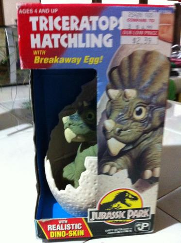 triceratops hatchling jurassic park 1993 nuevo kenner