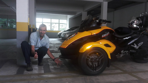 triciclo brp can am