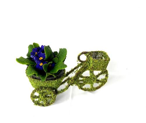 triciclo de pasto con canasta ideal para decoracion