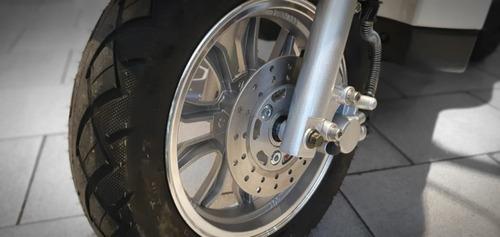 triciclo eléctrico master / no lucky lion / canasto incluido