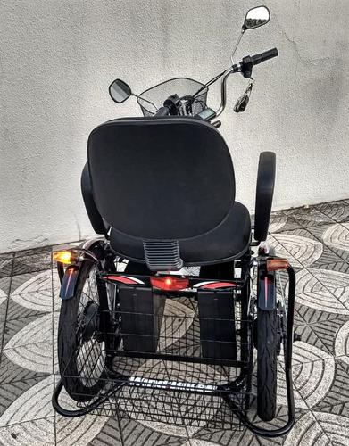 triciclo elétrico modelo advanced 700 w 36 v 24ah c/ seta