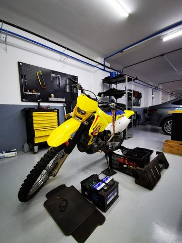 trilha suzuki moto