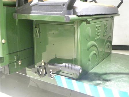 trimoto eléctrica para pasajeros con baterías