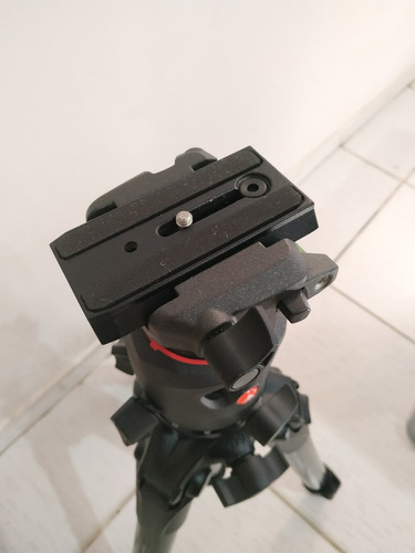 tripé fibra de carbono manfrotto mt057c3 + cabeça mh057m0-q5