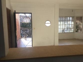 triplex 4 ambientes, 4 baños , 2 cocheras cubiertas, terraza