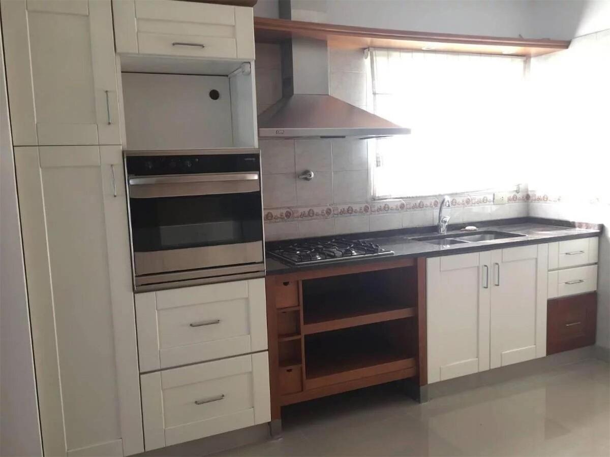 triplex 4 ambientes y 2 cocheras 123 m2