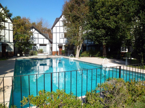 triplex en complejo con pileta y jardin - bouchard 1430
