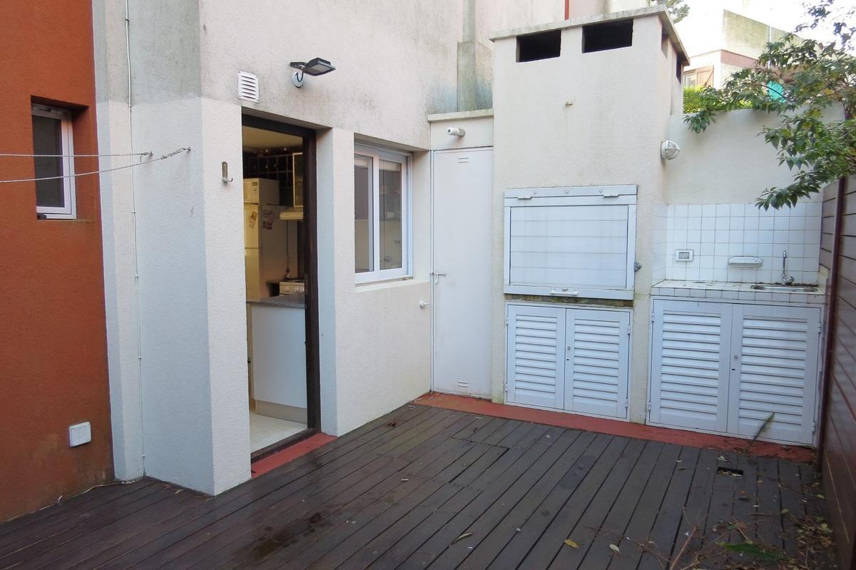 triplex en venta en pinamar-4 ambientes + 3 baños-estacionamiento-radiadores