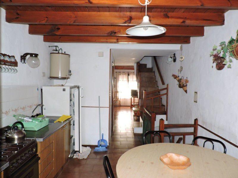 triplex en zona centro con garage y patio - villa gesell