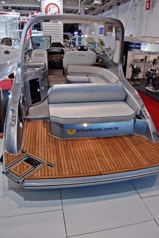 triton i275 + 250 hp  boatsp focker ventura 265