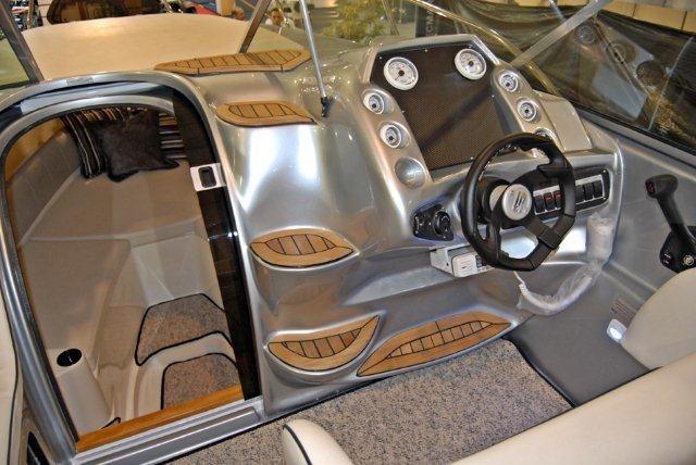 triton i275 + 250 hp - focker ventura 265 fibrafort