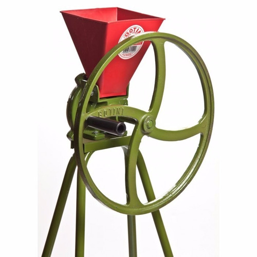 triturador para milho com cavalete tmc20