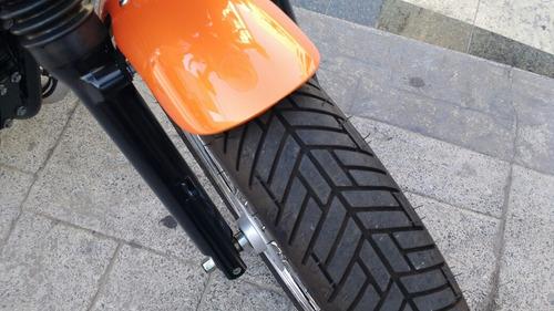 triumph bonnevile moto
