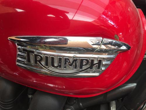 triumph bonneville 2011