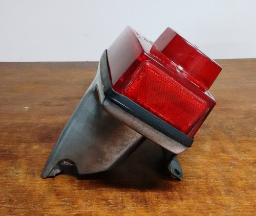 triumph bonniville 1979 lanterna de freio com suporte