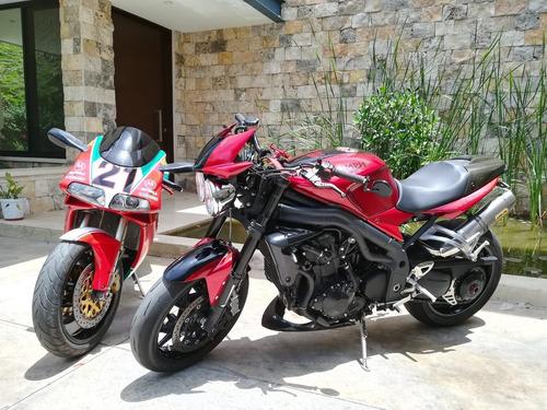 triumph speed triple 1050cc (eq. ducati monster, mv agusta)