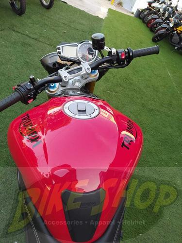 triumph speed triple r 1050 modelo 2013