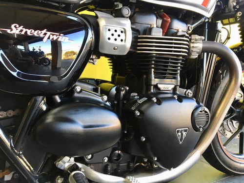 triumph streer twin 900