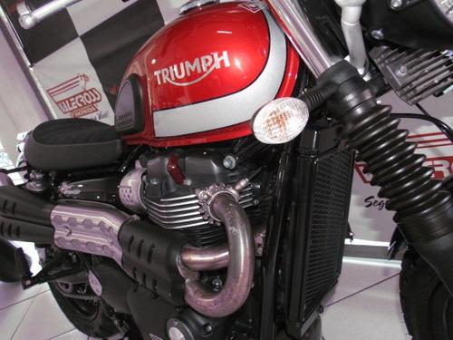 triumph strett scrambler com apenas 2800 km , igual o km