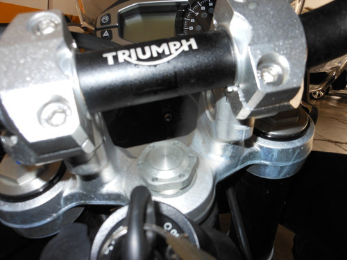 triumph tiger 800 xrx low