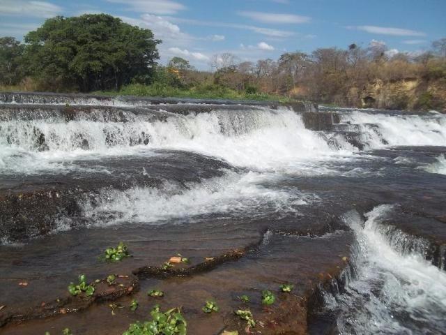 troco - cachoeira do choro sitio 1743m² casa 2qts curvelo-mg