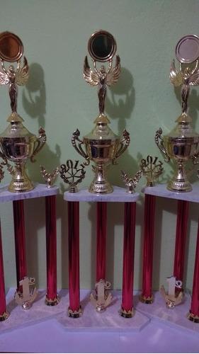 trofeo 60cm altura 3 columnas. trofeoshm