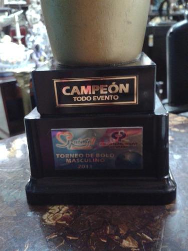 trofeo de bolos  en madera decorativo trofemarcas ltda