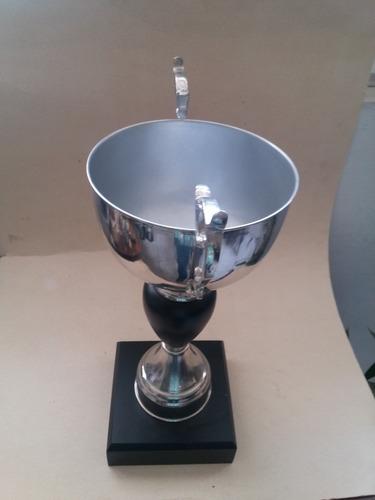 trofeo de premiación 3er lugar copa deportiva metálica.