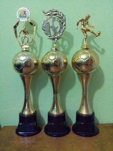 trofeo valla-porta centro jugador 47cm.  trofeoshm
