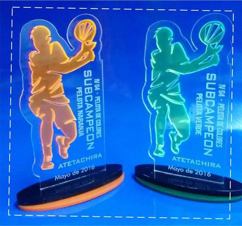 trofeos acrilicos reconocimientos premiaciones deportivas