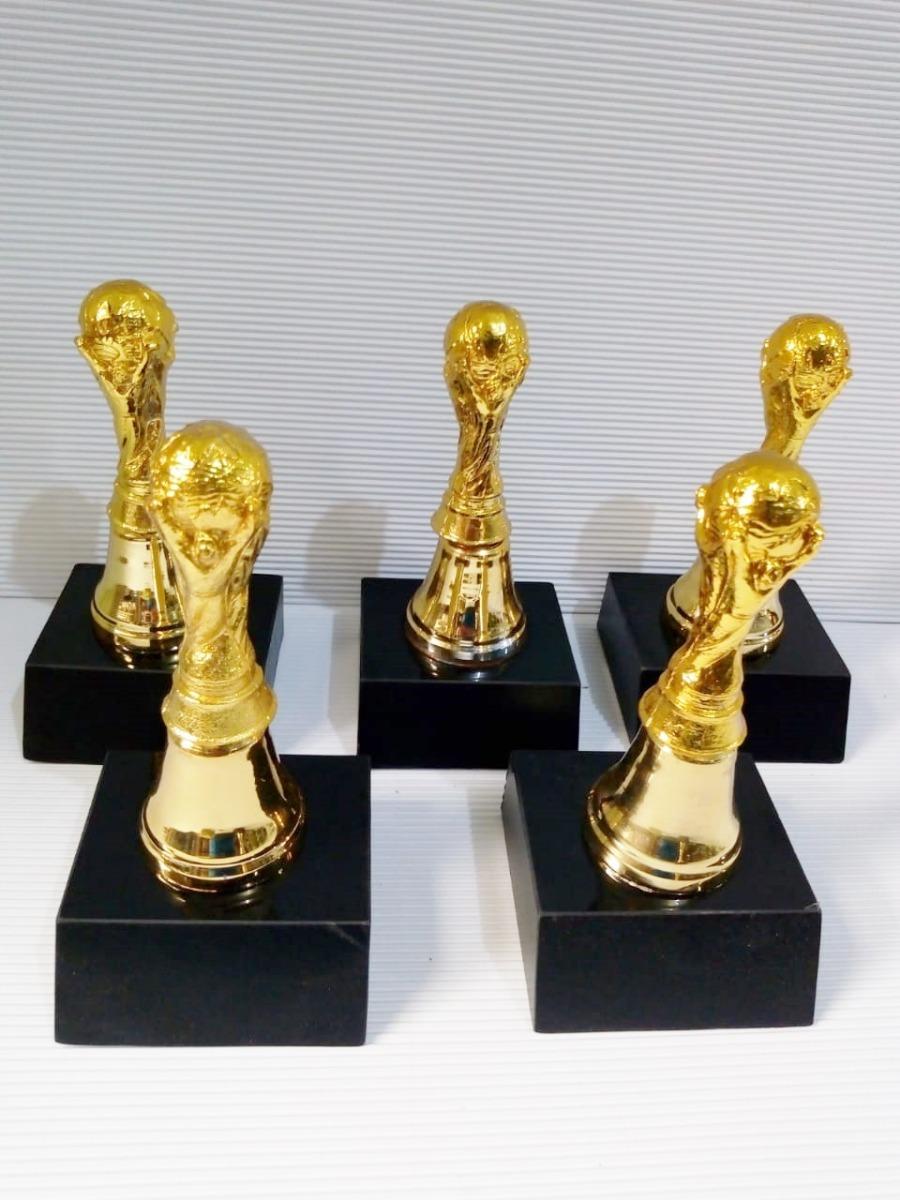 1 Trofeo de fútbol Copa del Mundo 22 cm.