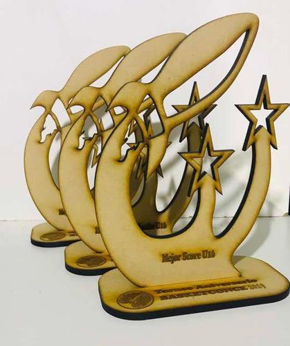 trofeos en material reciclado