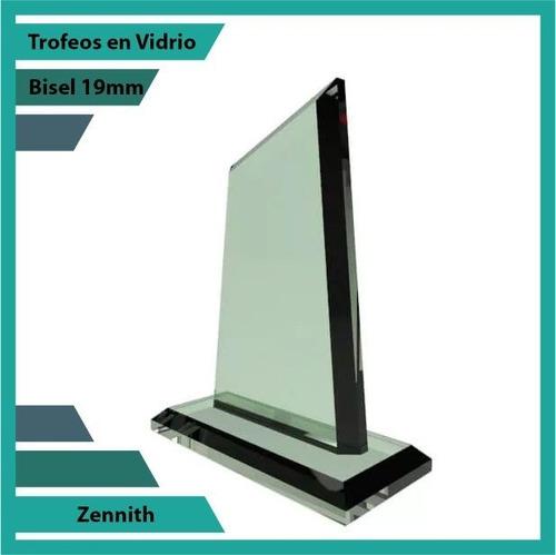 trofeos en vidrio forma  zennith
