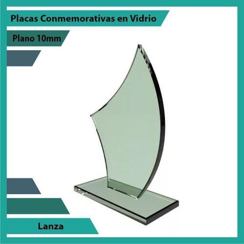 trofeos y placas de reconocimiento en vidrio