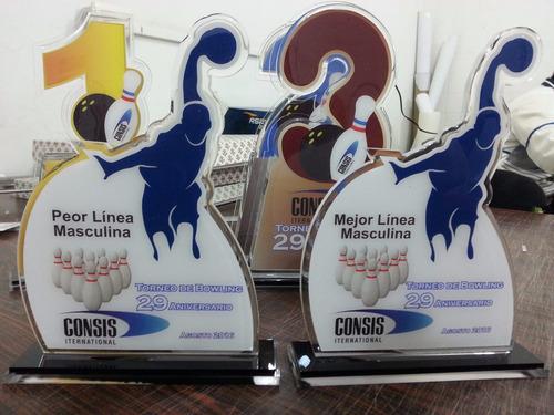 trofeos y reconocimientos en acrilico