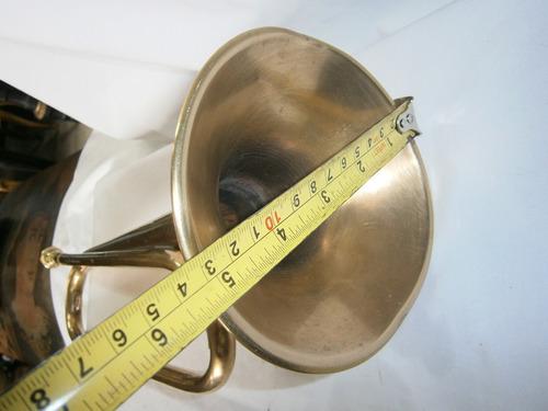 trompeta en bronce x 46cm de largo funcional