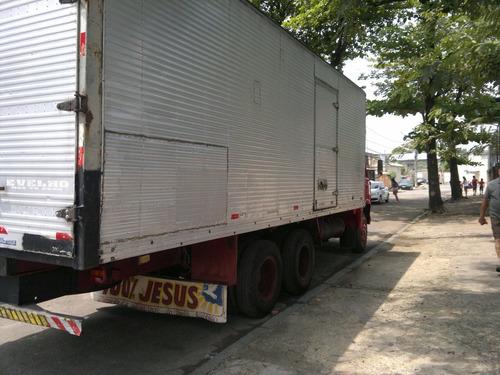 truck baú