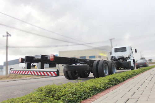 truck caminhão vw volks 13-180 06/06 6x2 chassi 10m