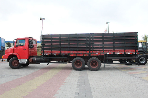 truck mb 1621 6x2 1992 carroceria graneleira madeira 7,7m