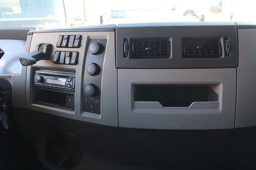 truck vm 330 8x2 2017 automático no chassi