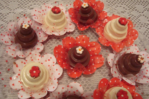 trufas recheadas em forma de mini bolos (15 un.) r$ 30,00