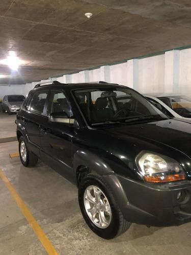 tucson gl  4x4,  motor 2.000 cc,  5 puertas