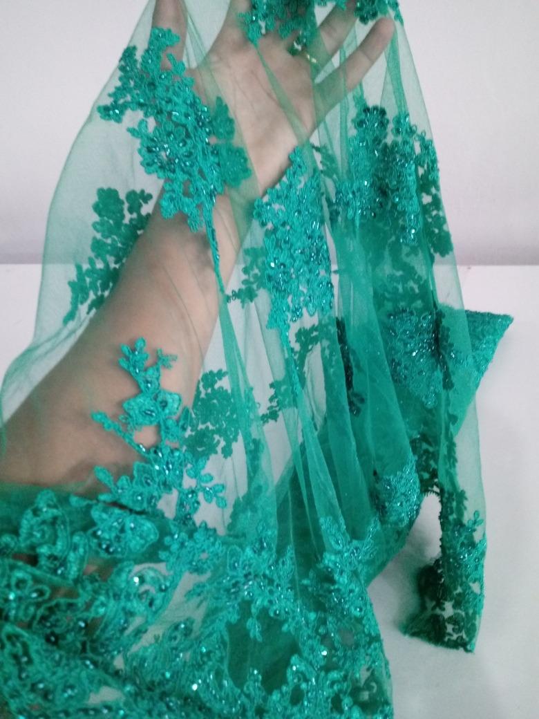 fb77a95f2 tule bordado pedrarias verde jade para vestido de festa. Carregando zoom.