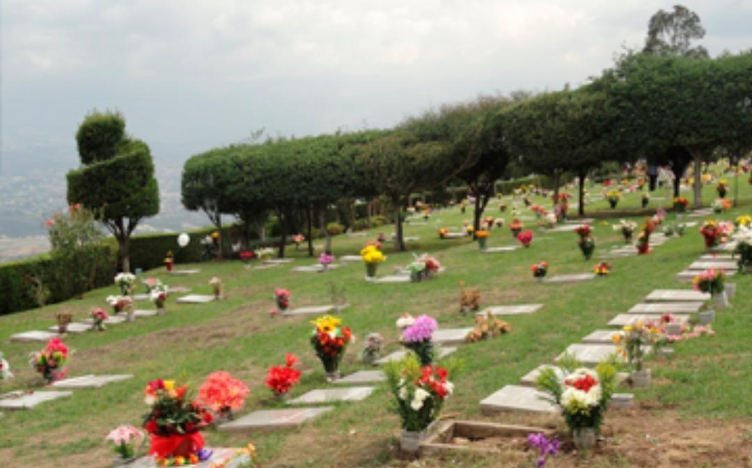 tumba doble en la tierra