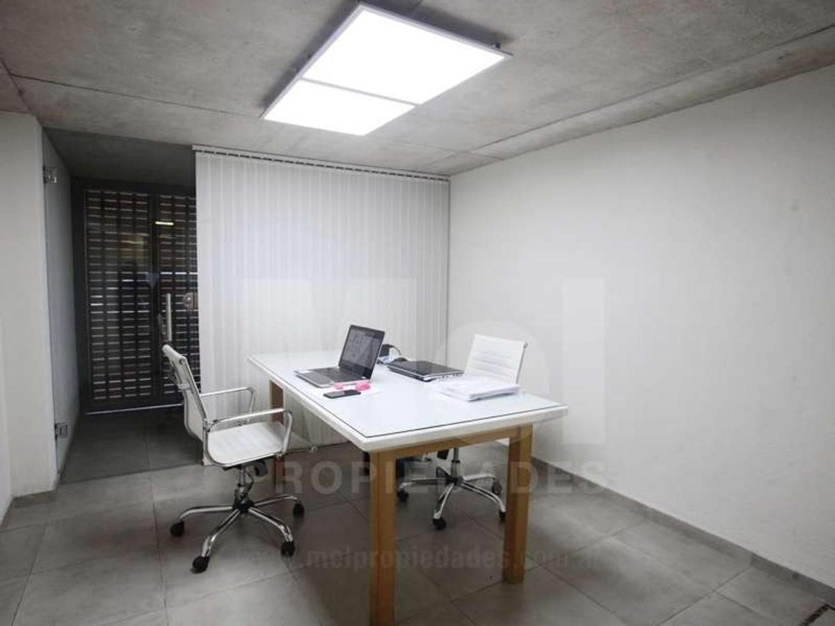 túnez 2500 excelente oficina en planta baja.