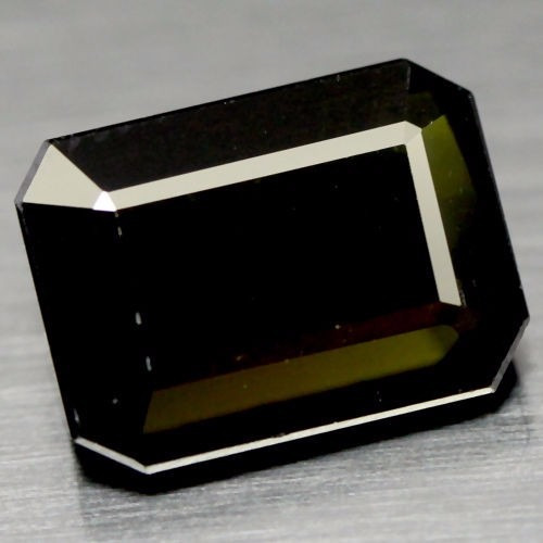 turmalina natural verde oscuro 9.6 x 13.1 x 6 mm